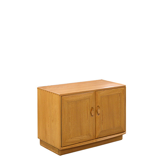 brands :: ercol :: windsor :: ercol windsor 2 door cabinet